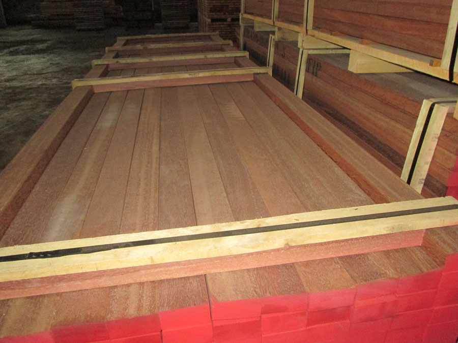 Flooring decking wood azobe