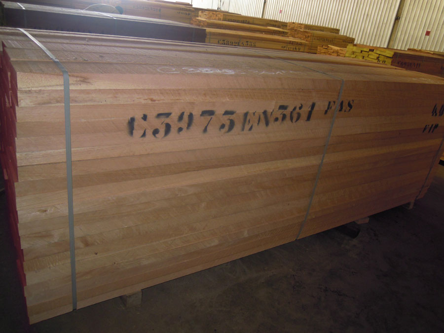 Sawn timber wood cedrella